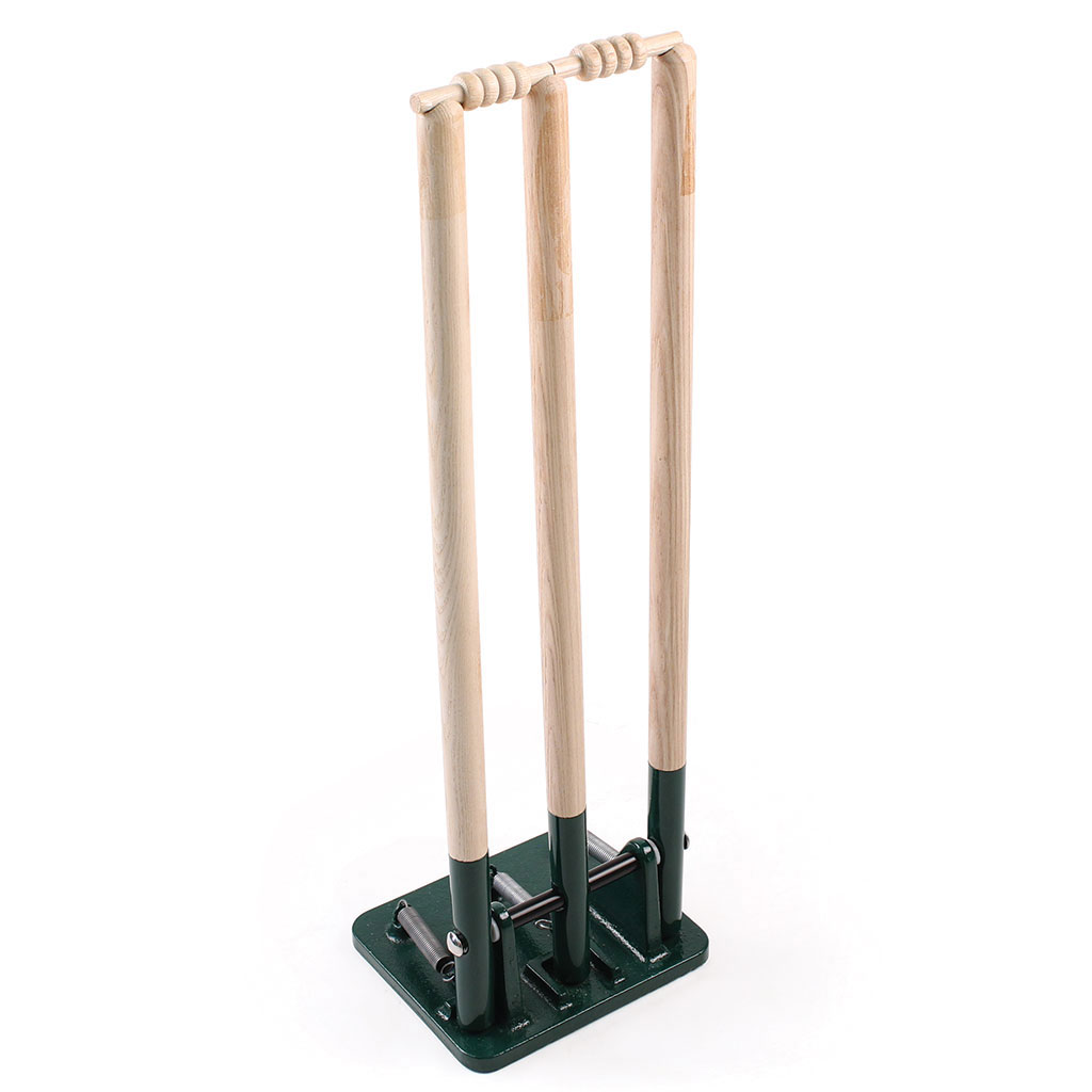 WOODEN SPRINGBACK CRICKET STUMPS - CP3